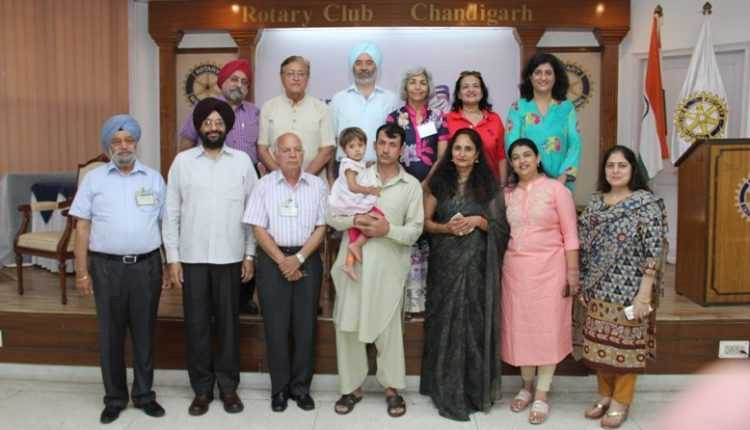 thumbnail_Basmina and her father with Rotarians at Rotary Club of Chandigarh
